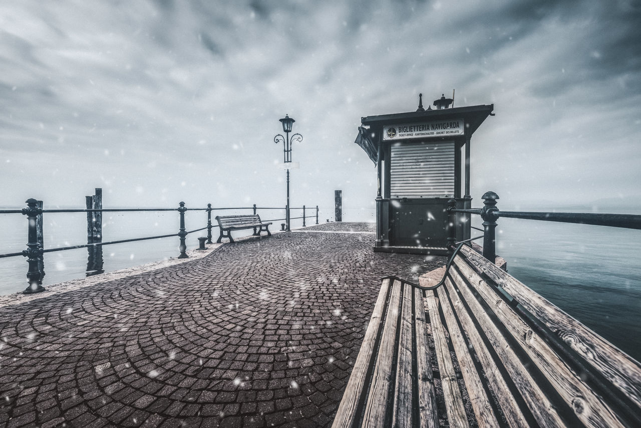 Cloud - Sky Cold Days Gardalake NikonD810 Panchina Pontile Snowing Travel Destinations Verona Vintage Style Water Whether Wide Angle Winter