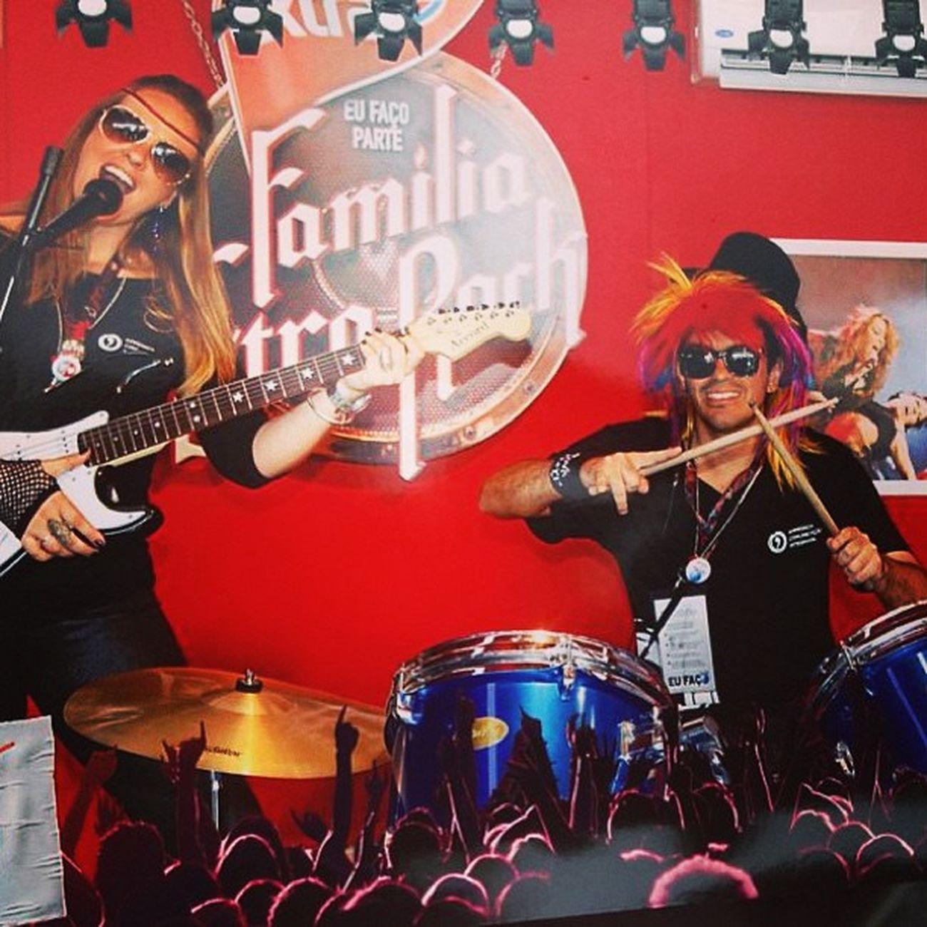 Eu e David ensaiando para entrar no Palco Mundo em 3.. 2.. 1.. Rockinrio Riodejaneiro Brazil