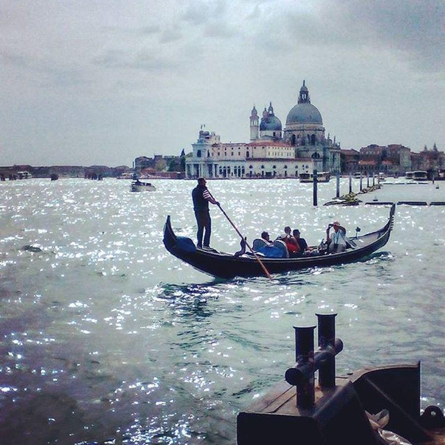 Venezia Venice Gondola Grancanal Urbanphotography Cityphotography Streetphotography Exploreyourcity Shotoftheday Picoftheday