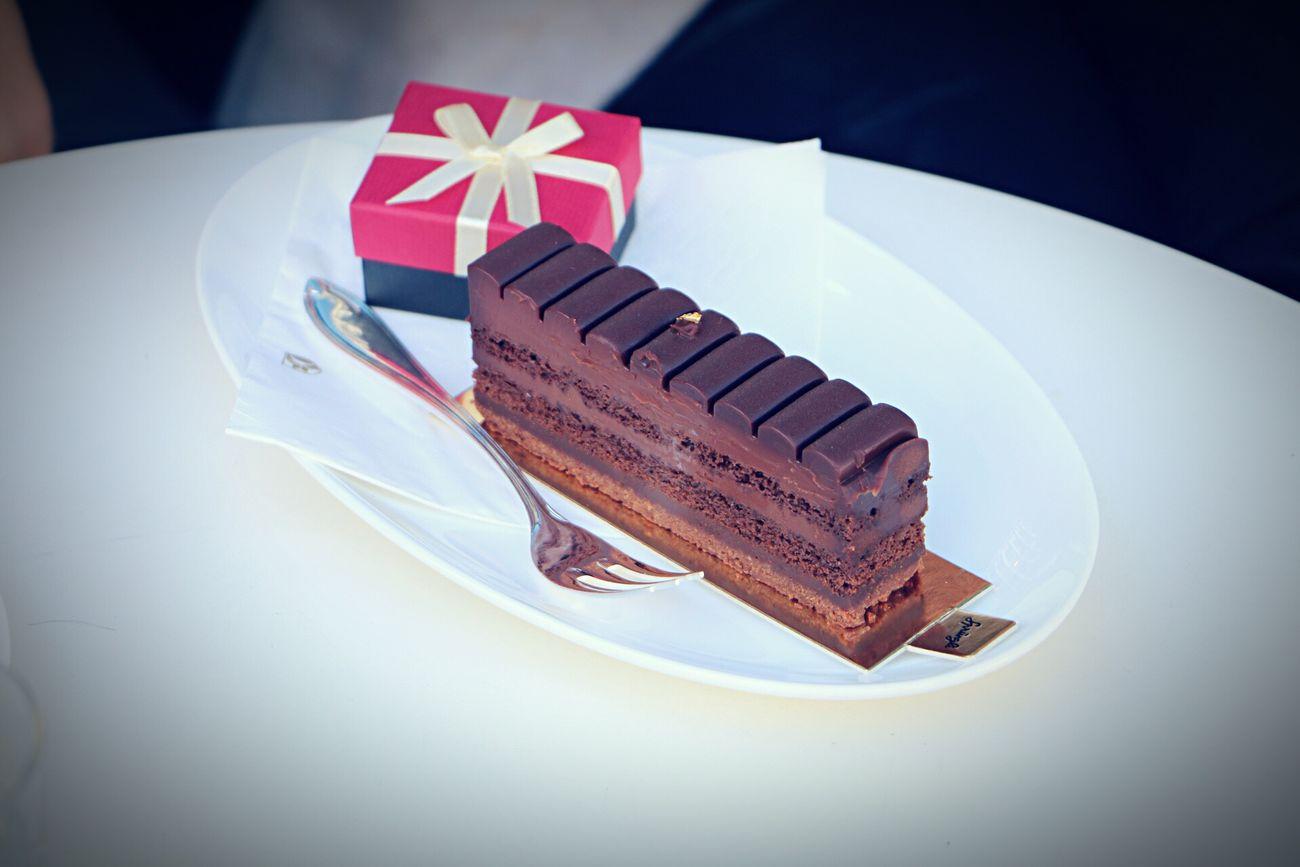 Zürich Züri Sprüngli Schweiz Swiss Dezert Desert Chokolate Cake Elegant Sweet Dolce Vita