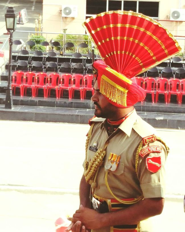 ProudyinDiAn India Indiapakistanborder Wagha Border Check This Out Best Ceremony In World Soldier Border Security Force Indian Army One Plus 2 Photography Red Turban The OO Mission Sikh 43 Golden Moments
