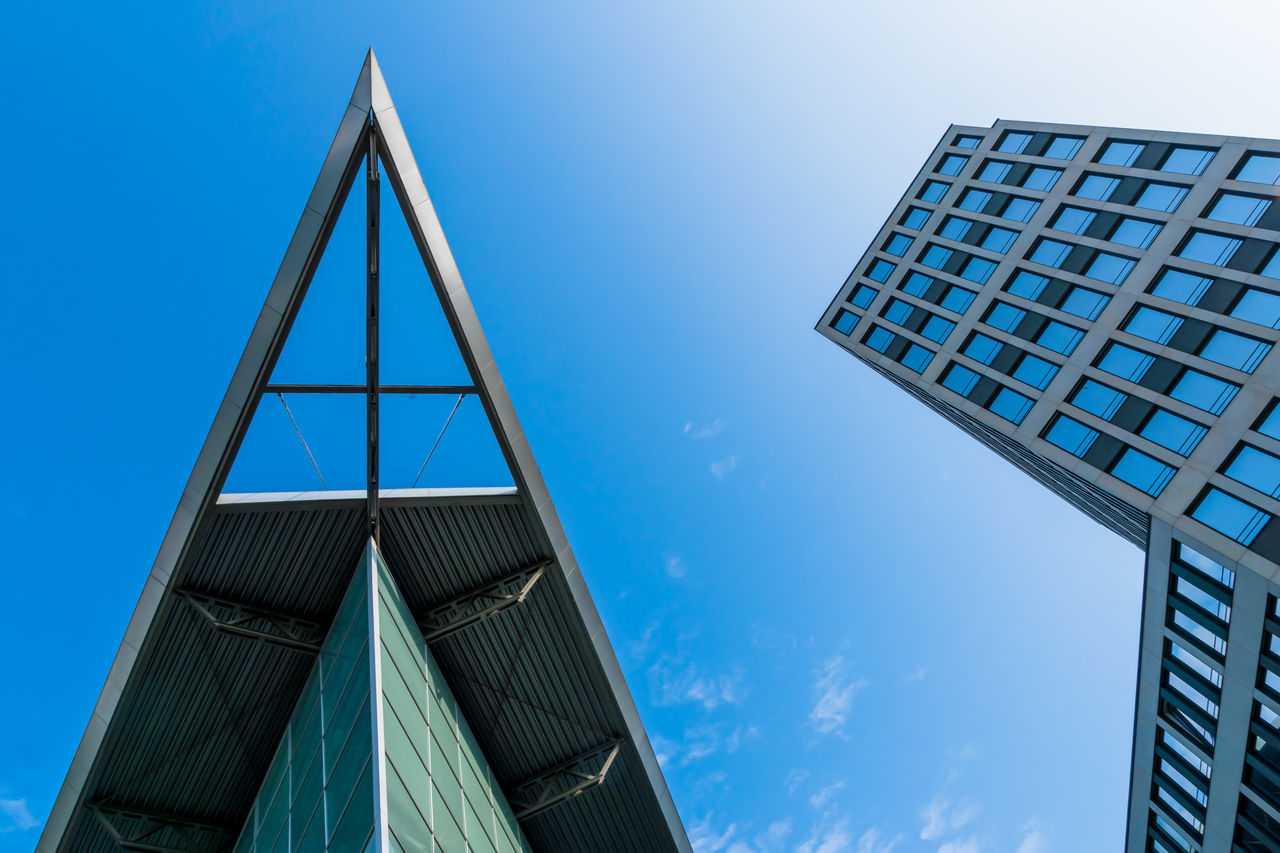 Architecture Architecture_collection Blue Blue Sky Building Exterior Built Structure Clear Sky Day Directly Below Eyeem Architecture Lover Low Angle View Low Angle View Modern Modern Modern Architecture No People Office Building Outdoors Peek Sky