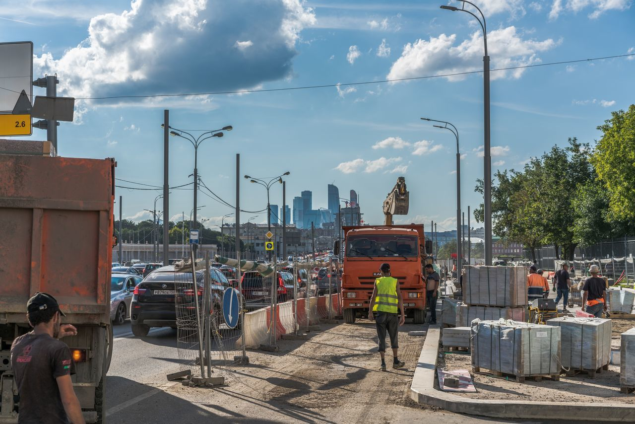 Moscow Adult City Cloud - Sky Construction Site Day Hardhat  Manual Worker Men Metal Industry Occupation One Person Only Men Outdoors People Protective Workwear Real People Rear View Reflective Clothing Responsibility Sky Standing Working
