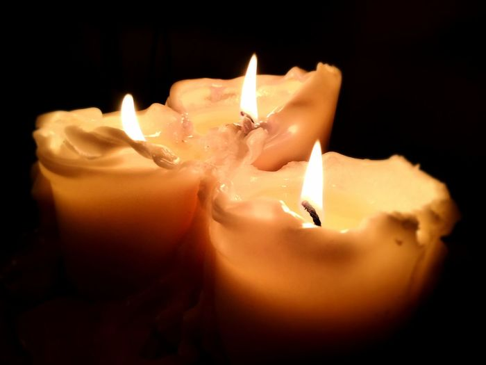 lights are blinding Flames & Fire Flame Light Lights Colors Candlelight Dark Highlights Fire - Natural Phenomenon Candle Heat - Temperature Melting Close-up
