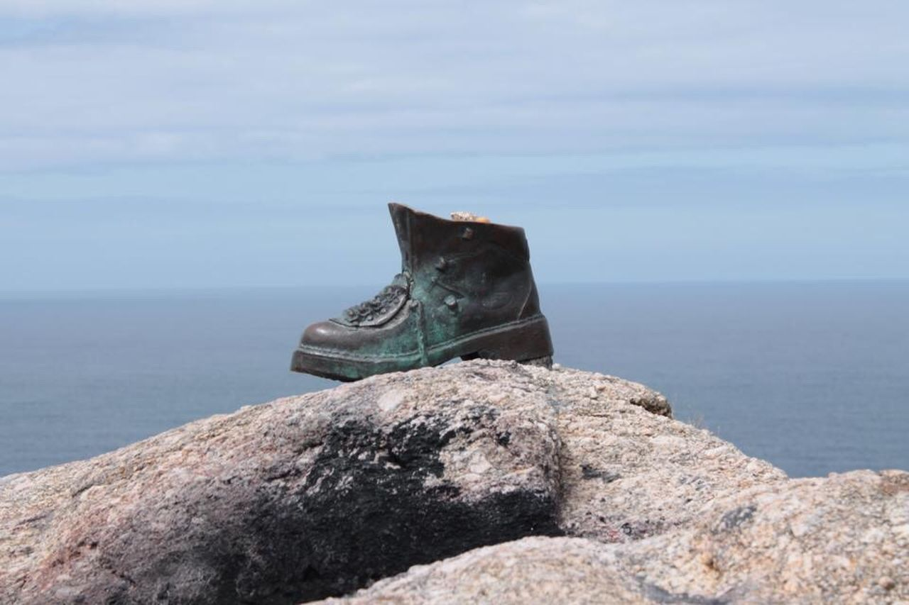 The Journey Is The Destination Finistere CaminodeSantiago Check This Out Hello World Relaxing Taking Photos Enjoying Life Sculpture Shoe Rock Endoftheworld Travel Traveling Trip Travel Photography EyeEm Best Shots EyeEm Gallery Eye4photography  EyeEm EyeEm Best Edits EyeEmBestPics