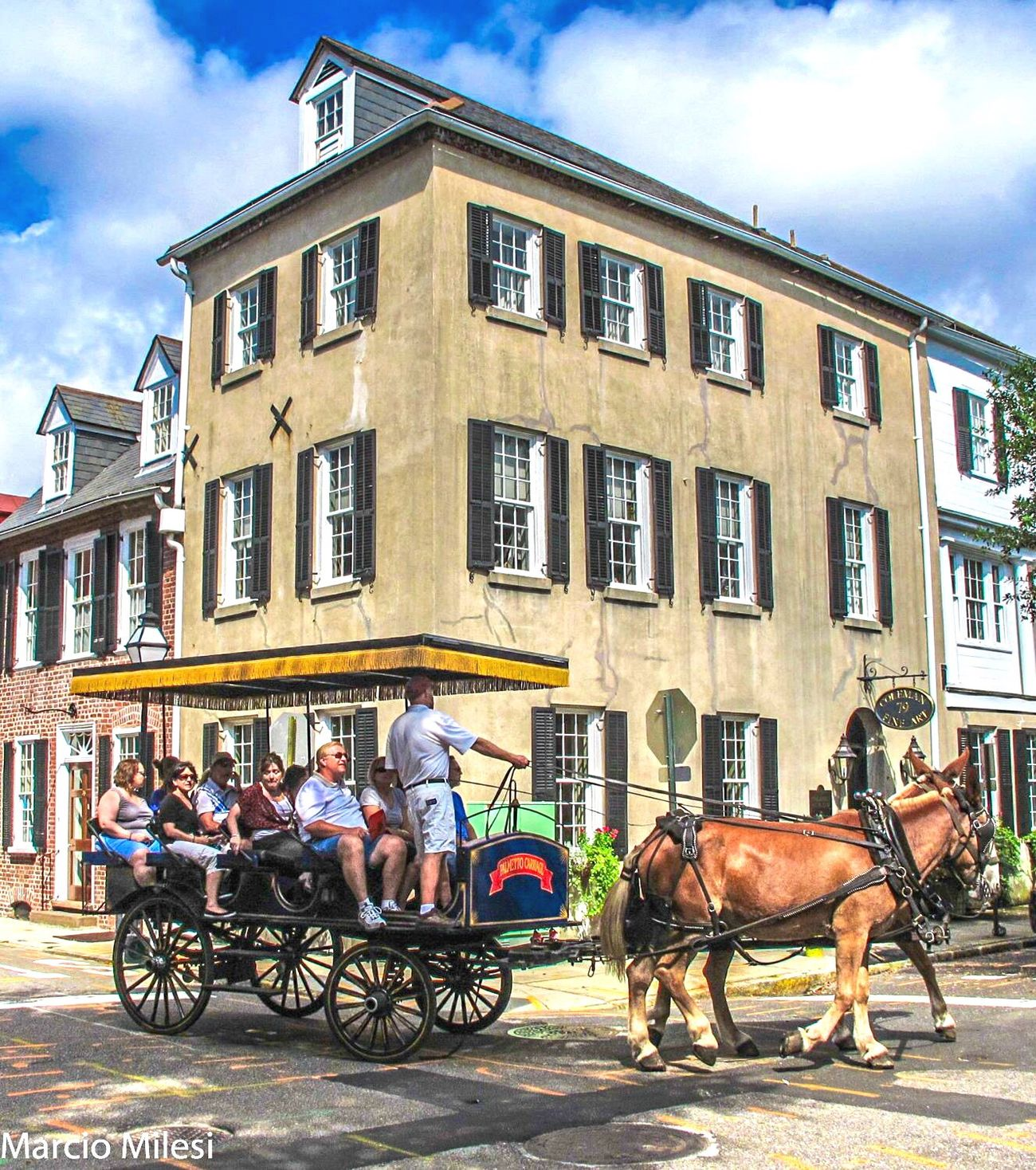 Building Exterior Architecture Horse Built Structure City Domestic Animals Transportation Cloud - Sky Mode Of Transport Sky Sunlight Working Animal Day Men People Charleston SC USA Beautifulplace Beautifulhouse