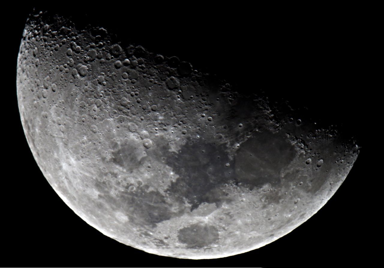 night, moon, moon surface, astronomy, no people, close-up, beauty in nature, nature, black background, half moon, outdoors, space, sky