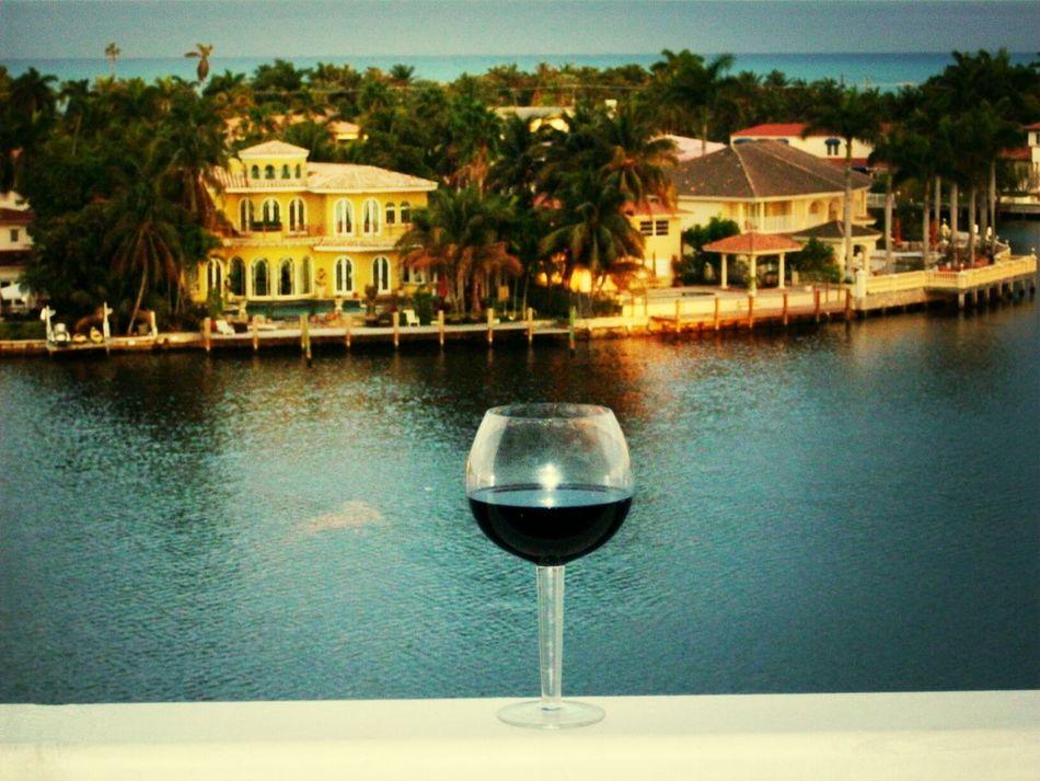 Beautiful stock photos of wine, Alcohol, Architecture, Aventura, Building Exterior