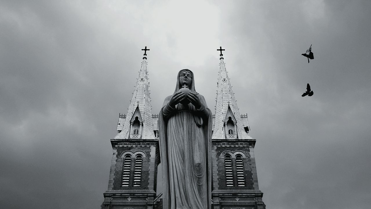 Check This Out Travel Photography Cathedral Notredame Hochiminh EyeEm Best Shots - Black + White Black And White Shades Of Grey Architecture_bw EyeEm Global Adventure B&w Street Photography