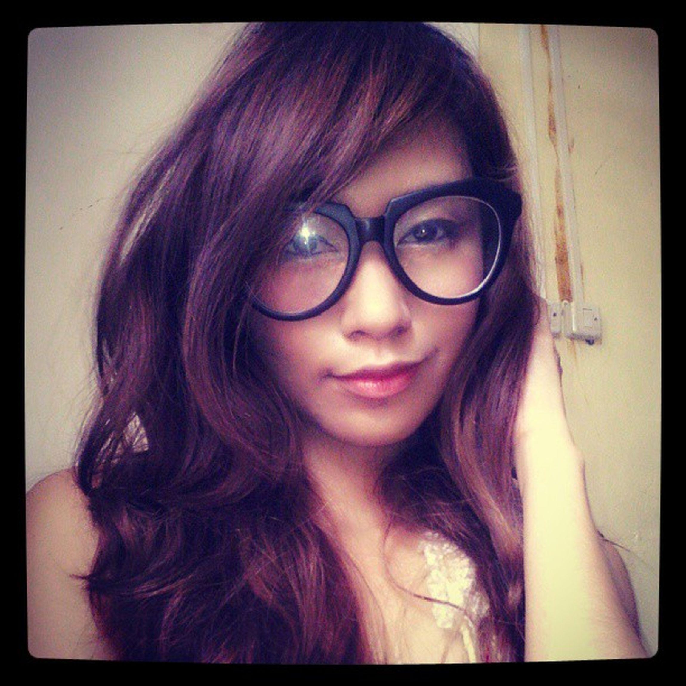 .i did my own makeup! :)) Koreanlook Makeup DIY Girlthing tumblr love instapic makeuptutorial curls eyeglass swag iphoneasia igbicol