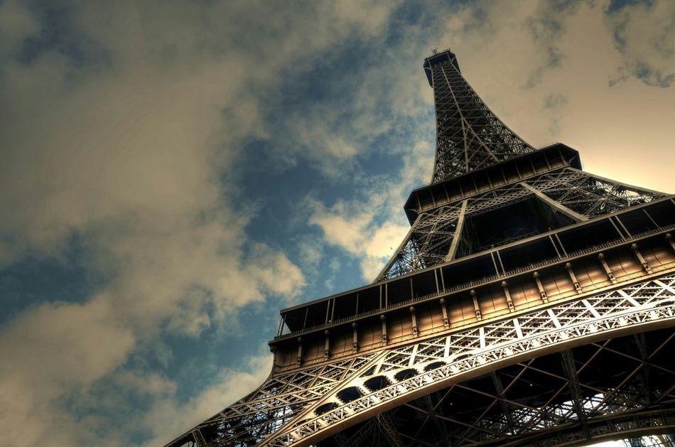 Taking Photos Hello World Eifelltower Eifelturm Eifel Tower Paris ❤ Paris Paris, France  Eye4photography