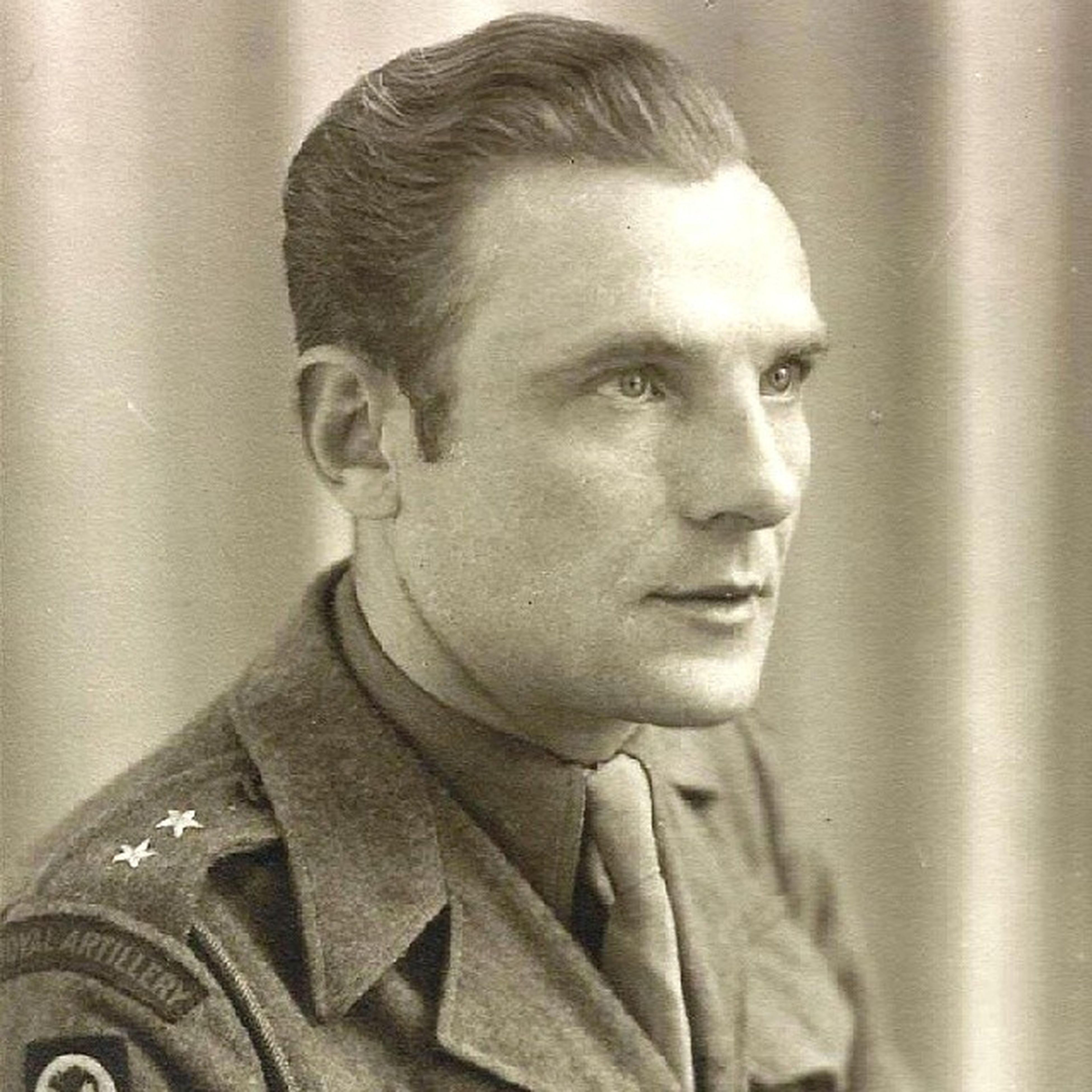 Throwback Thursday this week is a tribute to my grandpa Leon. He would've been 101 years old this year. He went through a lot in Ww2 starting as a Polish officer, going through a German Oflag Pow camp and ended up in Her Majesty's Armed Forces. Great man, influenced my dad a lot. Would like to find more traits of his character in myself. Throwbackthursday