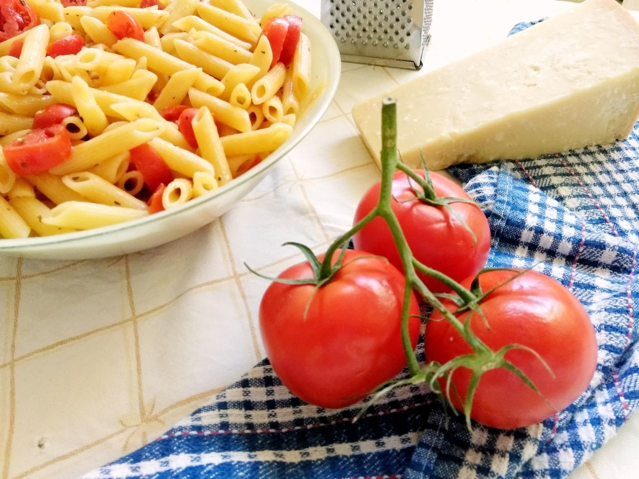 Food And Drink Food Tomato Freshness Healthy Eating Indoors  Vegetable Italian Food Raw Food No People Table Close-up Red Ready-to-eat Day Plate Pasta Homemade Comfort Food Diet Mediterranean Food Mediterranean Lifestyle Bowl Red High Angle View