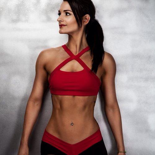Samantha Shorkey, a vegan inspirtation and bikini competitor. SamanthaShorkey PlantBuilt Plantbased Vegan