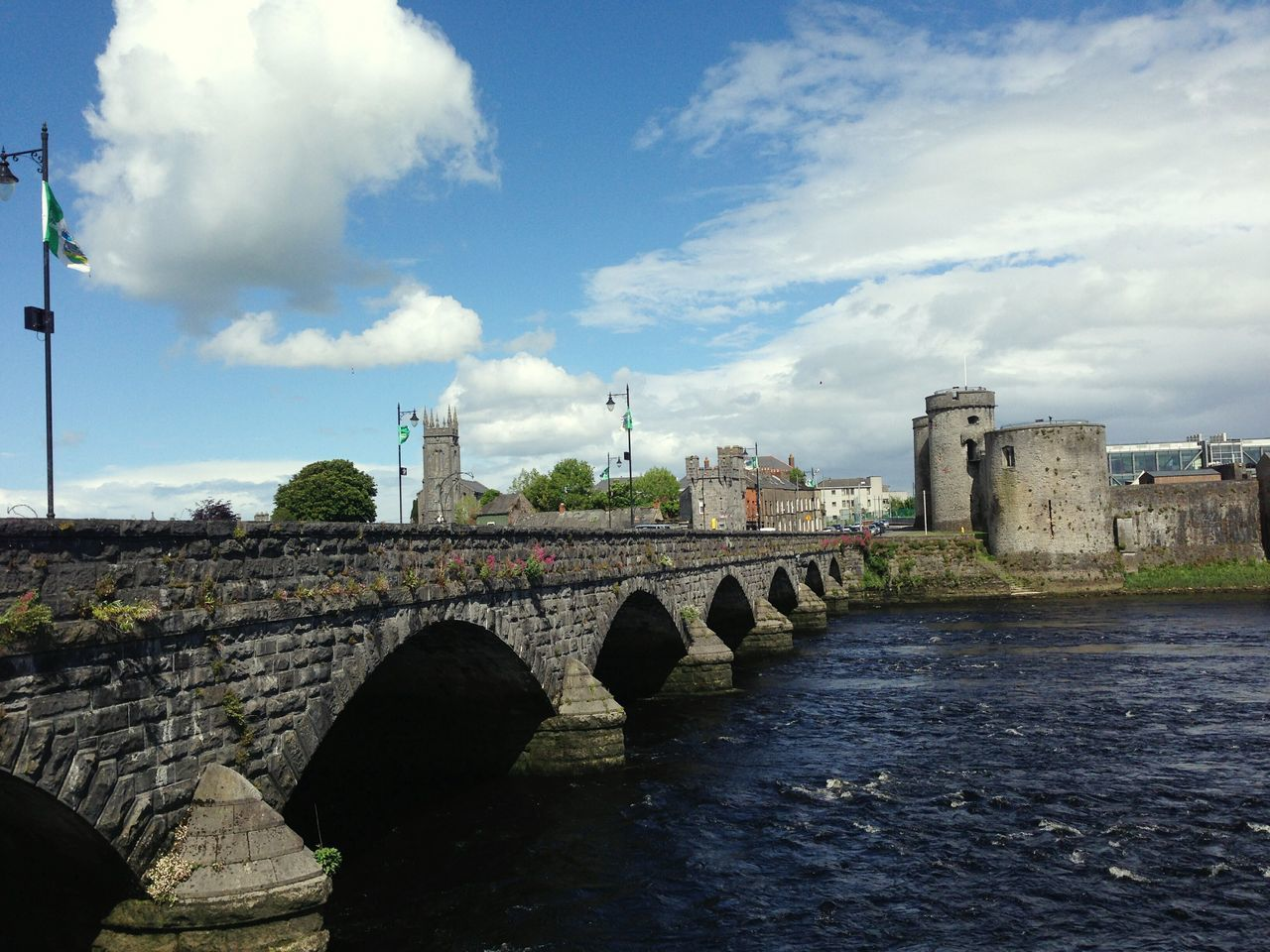 Cityscape Afterlunch Bridge View Kingjohnscastle Symbol Wonderfulmemories