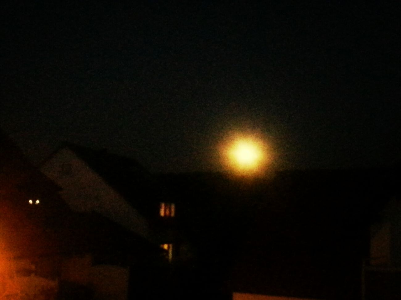 not a clear picture...but a bright full yellow moon tonight:)