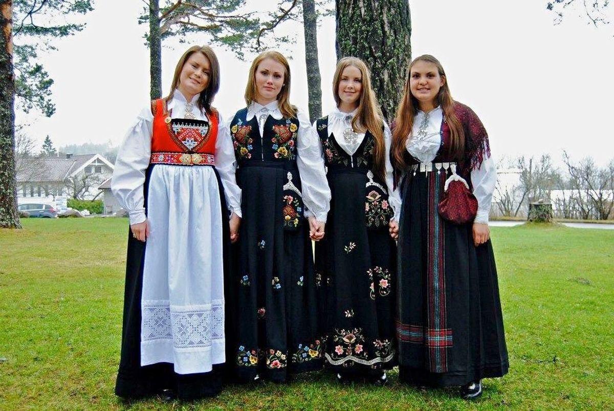 Norwegian girls. Bunad Norway Graduation Folkehøgskole Friends Teenager Girls Happy Front View Looking At Camera Pretty Beauty In Nature Squadgoals