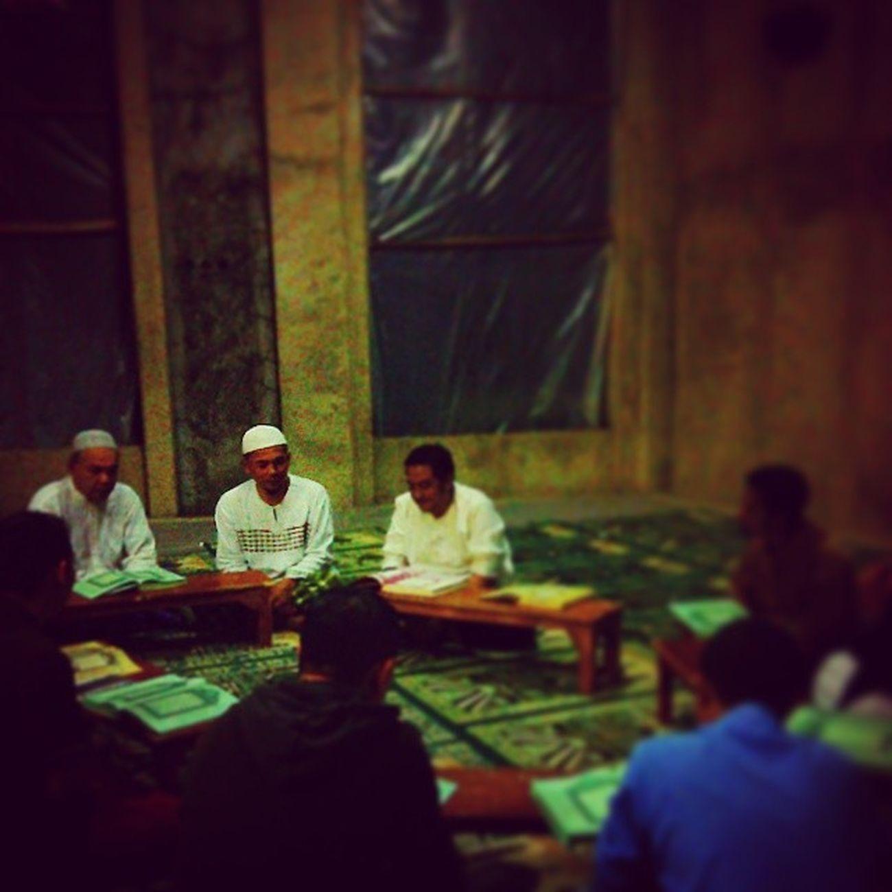 Menjelang Ramadhan kita isi dengan tadarus Al Qur'an AlQuran Ramadhan