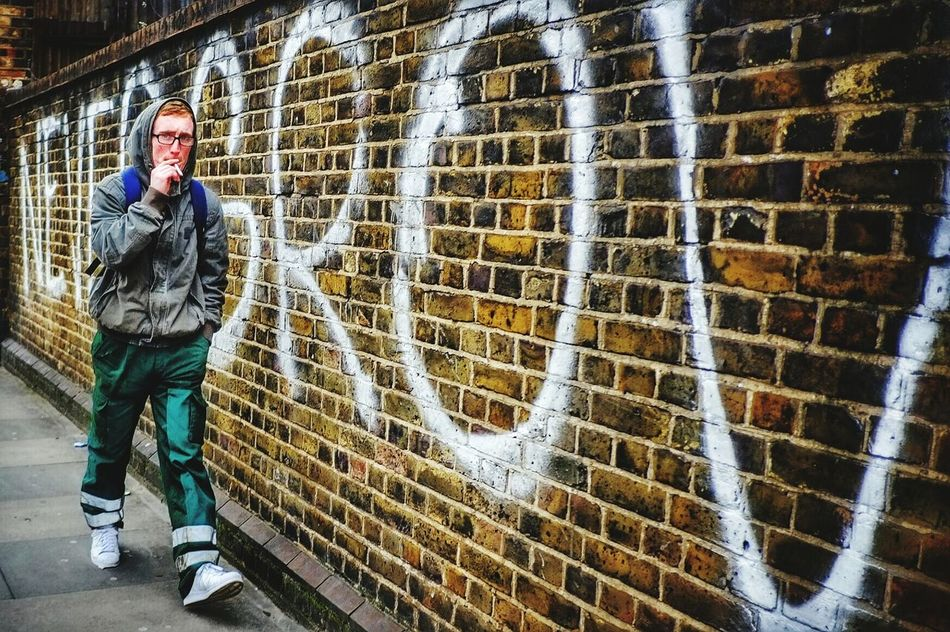 Beautiful stock photos of schmetterling, one person, full length, city, spray paint