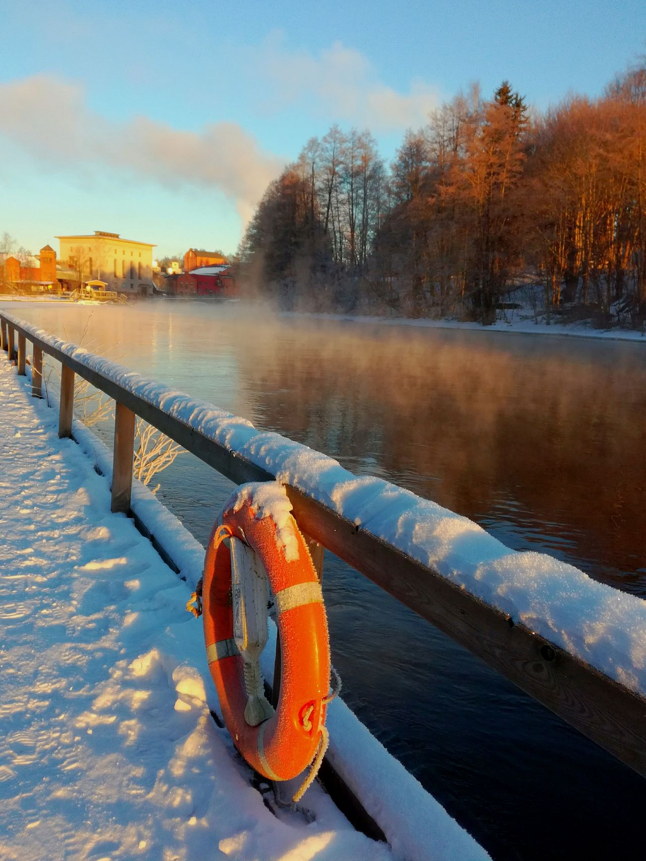 Water Sky Outdoors Nature No People Trees Steam Kotka, Finland Korkeakoski Sunlight Ice Cold Temperature Frozen River Winter Sun River Light And Shadow Misty Morning Beauty In Nature Tranquil Scene Sun Morning Wintertime Pier Life Saver
