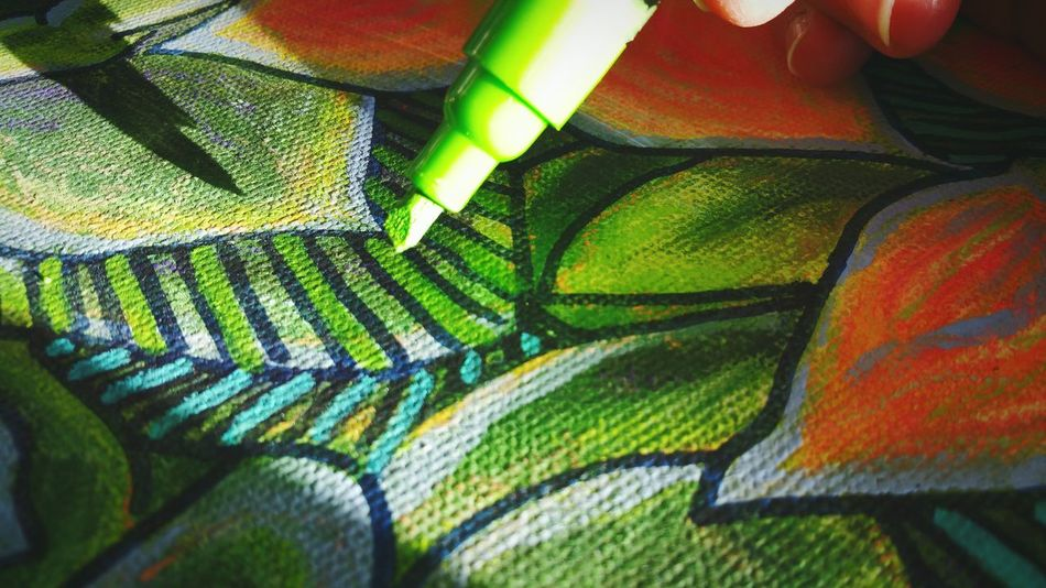 ... Drawing with Acrylics & Ink on top of fixed Soft Pastels ... Close-up Leaf Green Color Full Frame Art ArtWork Creativity Creating Experimenting... Painting My Art Artists At Work Fingers Artists At Play Sunlit Plants Kalanchoe Stylized Canvas Pen рисунок