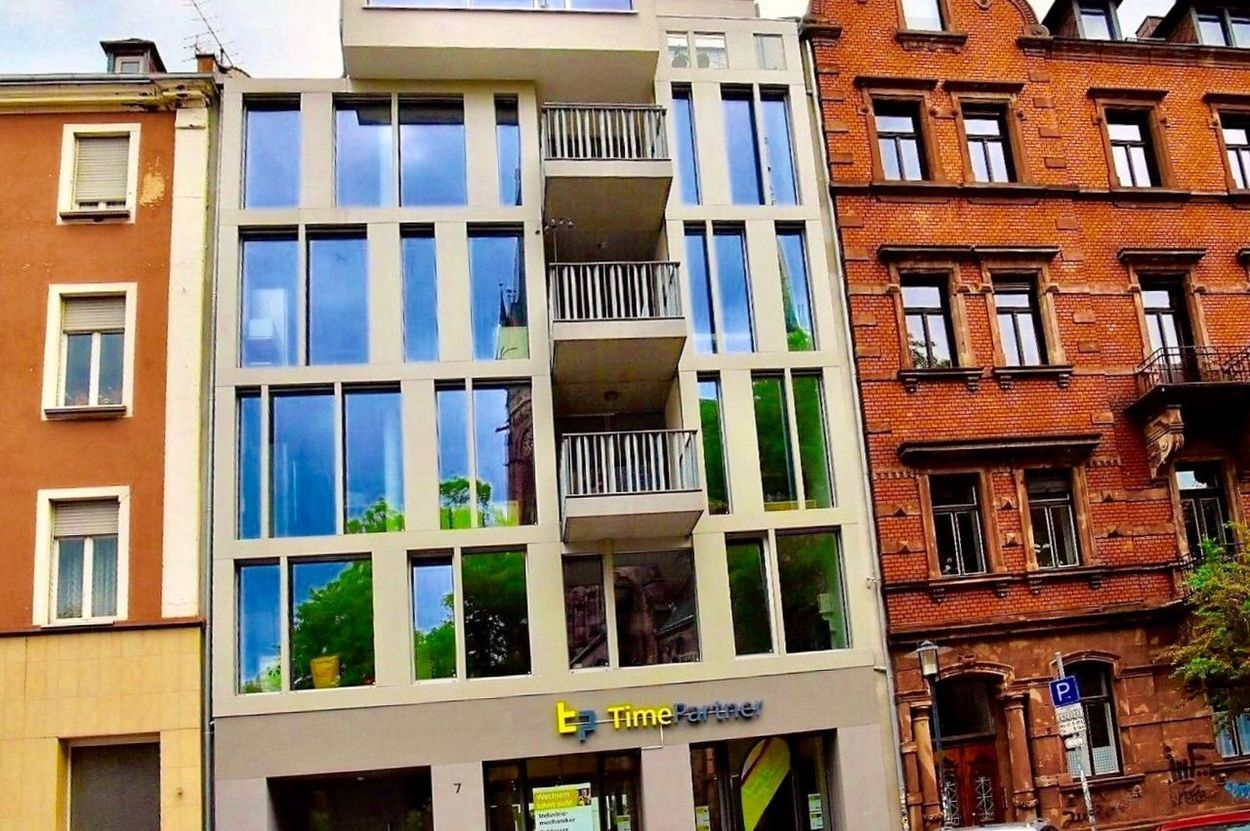 Adapted To The City House Line Architecture Building Exterior Window Built Structure Residential Building Outdoors Balcony Apartment Multi Colored Day Full Frame House No People City Eyeem Collection Cityscape City Life City Street Saarbruecken Saarland Old Germany