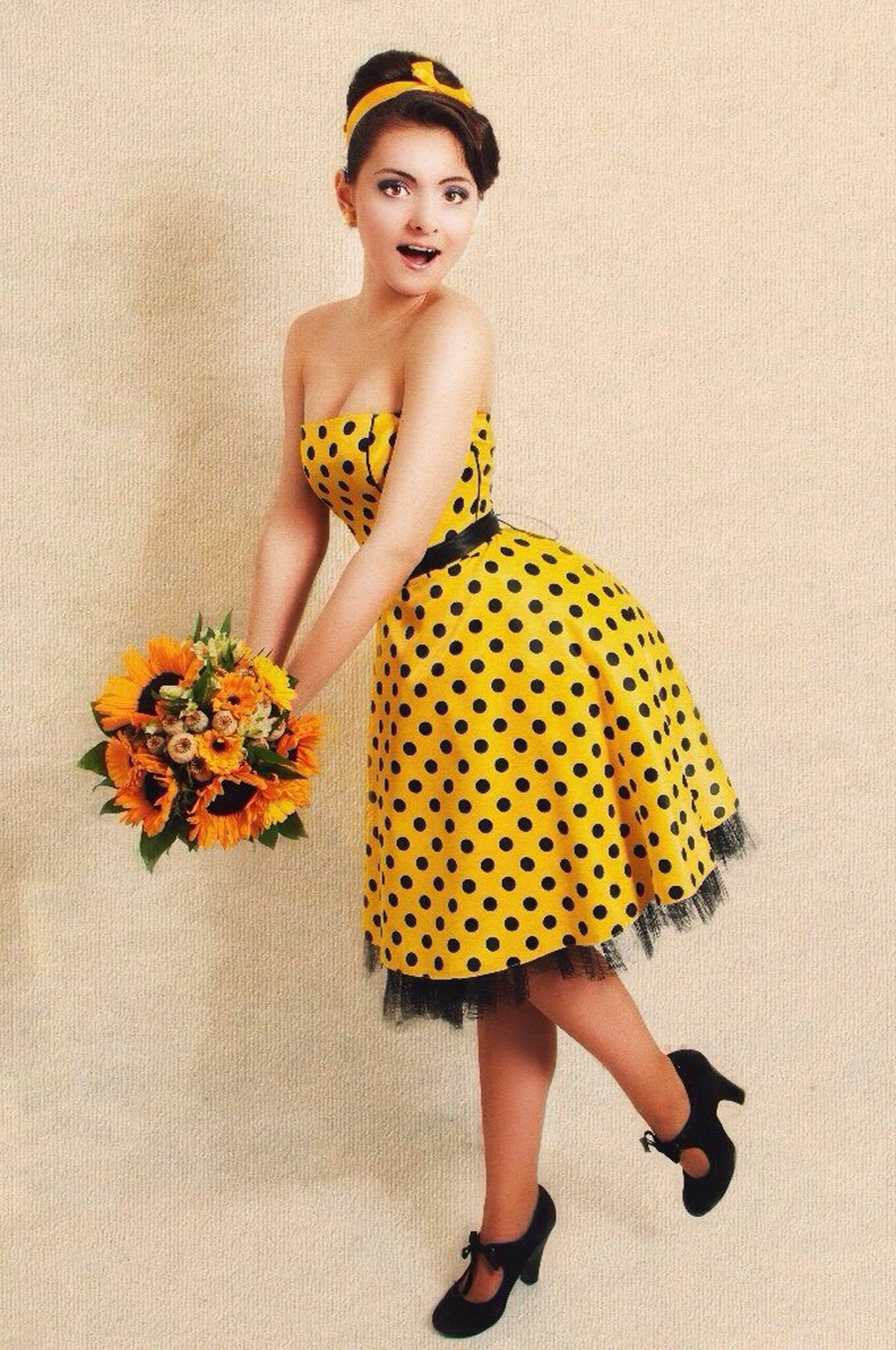 Fotomodel Flower Flowers In My Garden Poster Vintage Pin Up Girl Foto Makeup