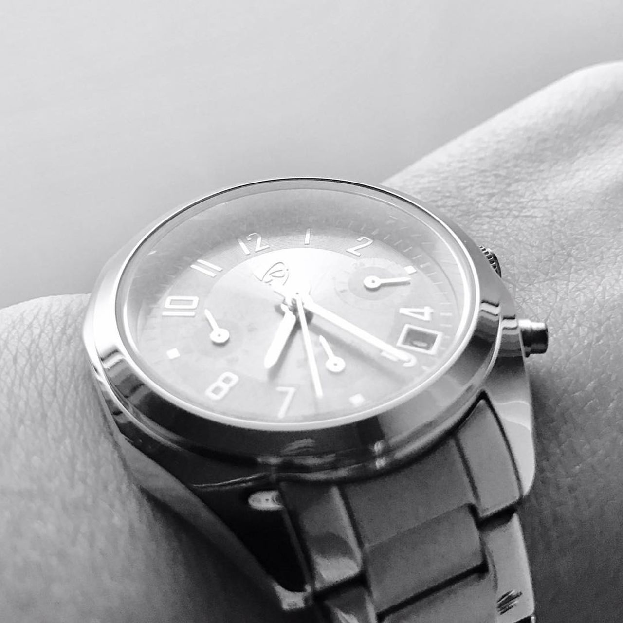 time, wristwatch, close-up, clock, watch, human hand, indoors, day, minute hand, clock face, one person, people