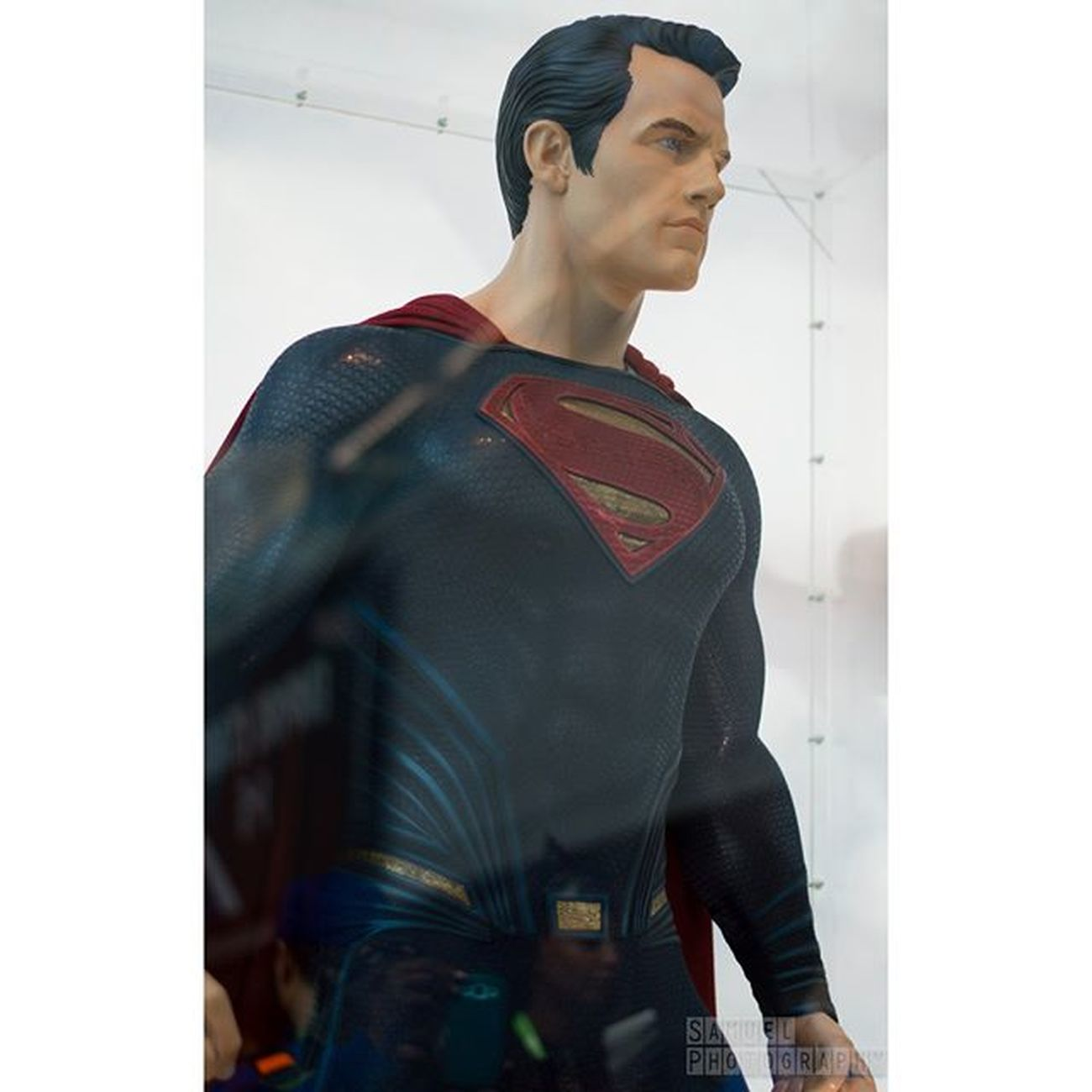man of steel's uniform in batman v superman Superman Batmanvsuperman DC Comics HenryCavil Manofsteel NYCC NYCC2015 Nycc15 Comiccon Newyorkcomiccon