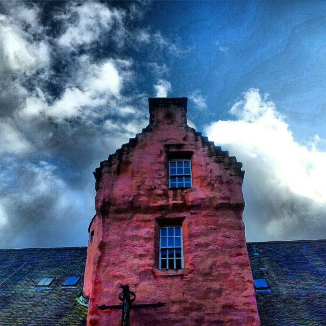 'A hint of pink' AbbotsHouse Dunfermline Scotland Pink architectureporn buildingporn brickporn icatch Cloudporn sky skyback skyporn sky_collection igscotland igtube Igers igdaily Tagstagram most_deserving thebestshooter iphonesia photooftheday insta_shutter Instagood instamood instagrammers insta_pick