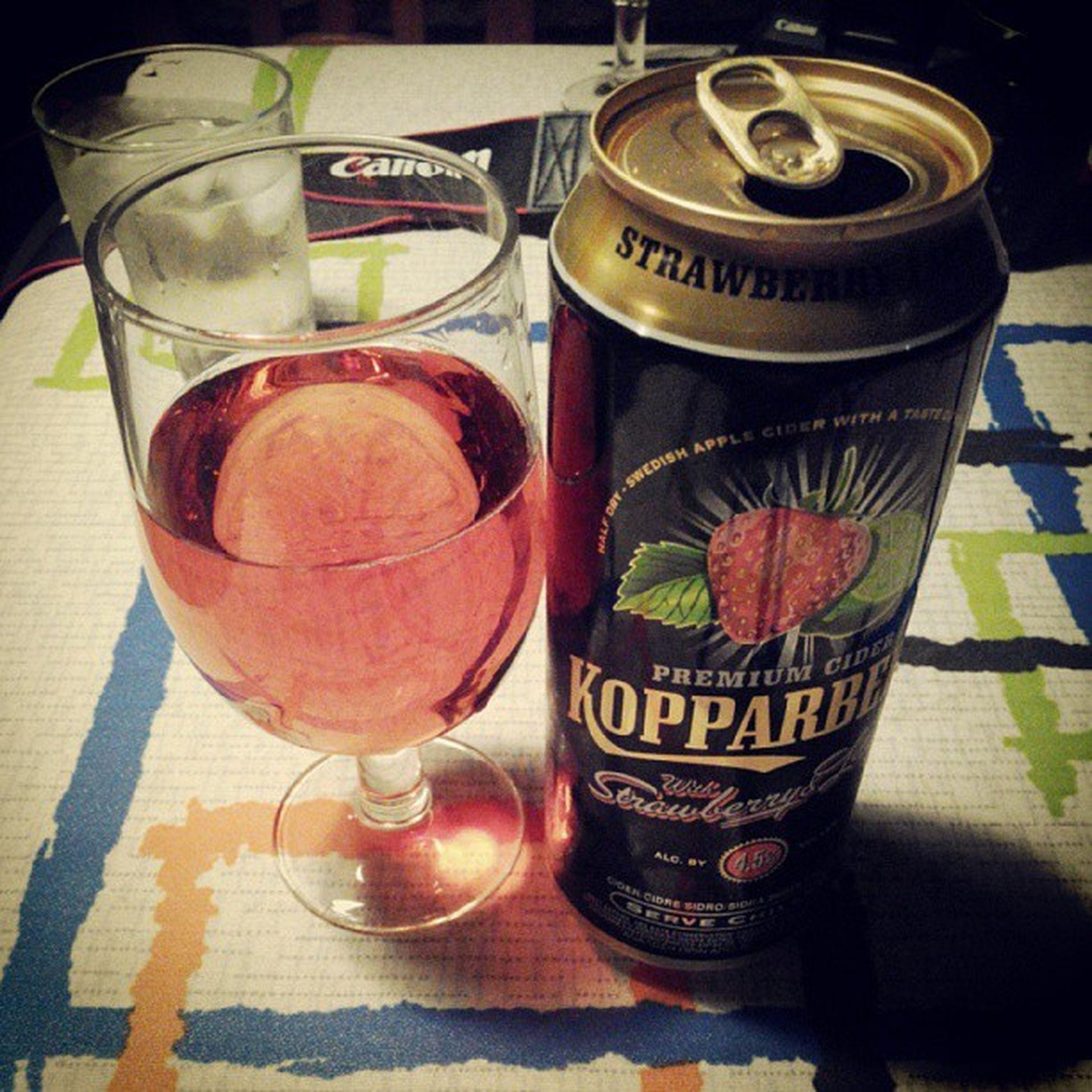 Experiência NO.1 : KOPPARBERG - Cidra Sueca de morango e lima. Halfdry Swedish Applecider