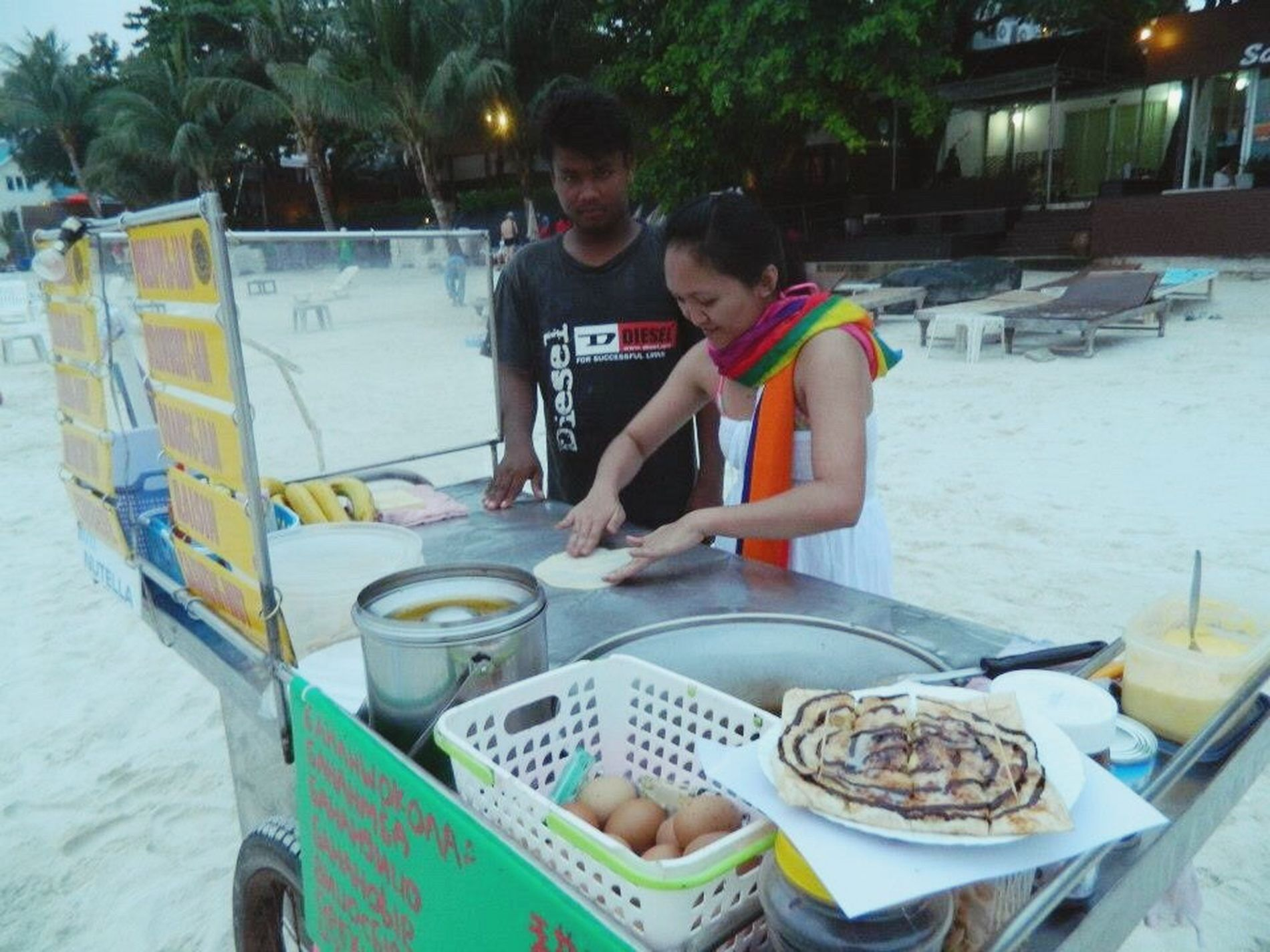 Kicking out the street vendor from his station and me learning to make this delicacy. A meddling tourist, that I am! 😂 Tourist Amazingthailland Kohsamed Traveler Backpacker Streetvendor Meddlingtourist Touristy Wanderlust Wanderer Beachlife Beachaddict Dessert Streetfood Delicacy The Tourist