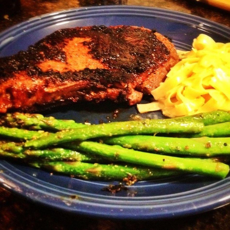 Snapseed .. First Steak I've had in a while! Asparagus Garlicalfredopasta dinner nomnomnom