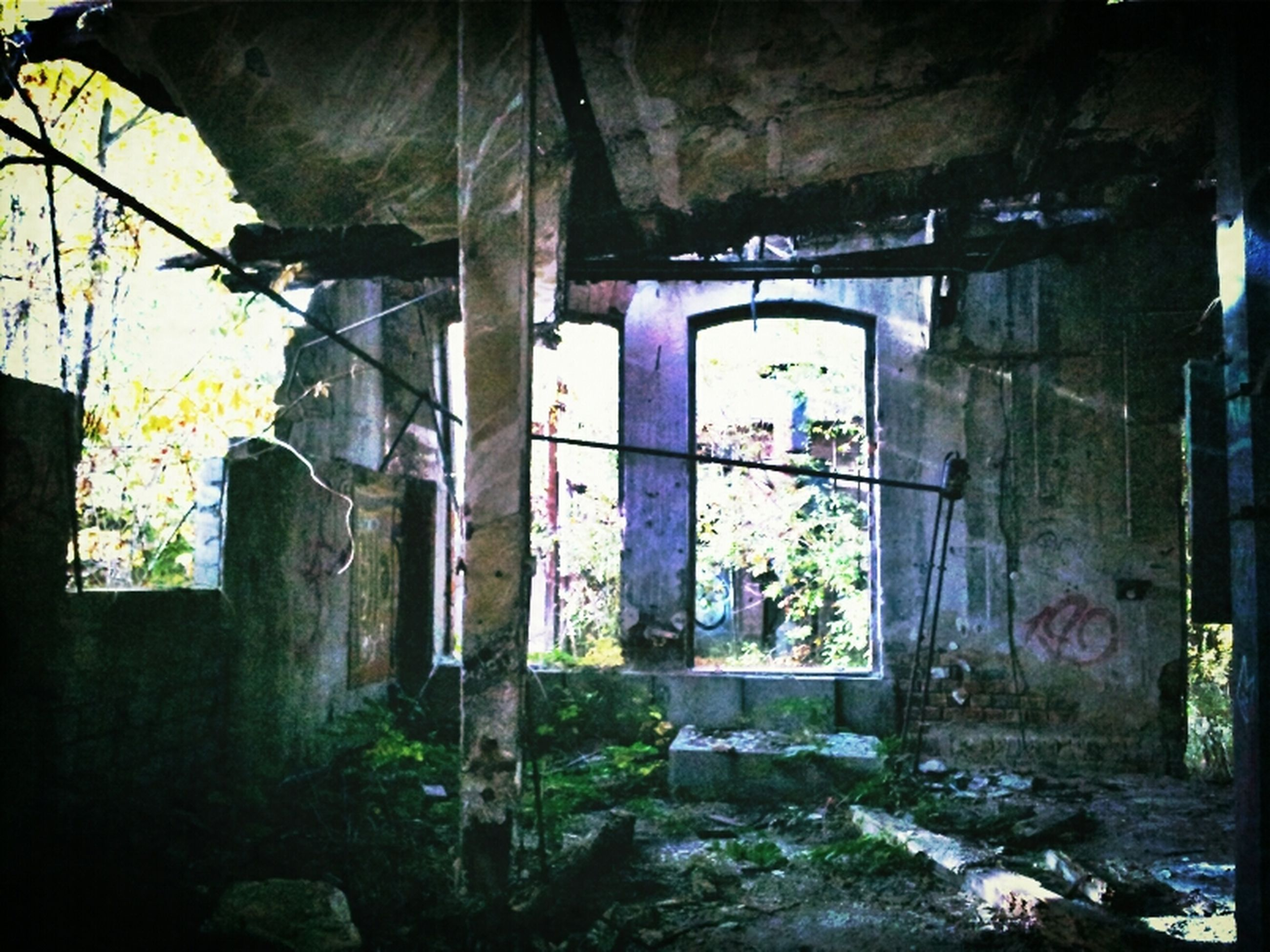 architecture, built structure, abandoned, graffiti, building exterior, obsolete, wall - building feature, damaged, old, run-down, deterioration, weathered, house, building, wall, day, text, indoors, window, bad condition