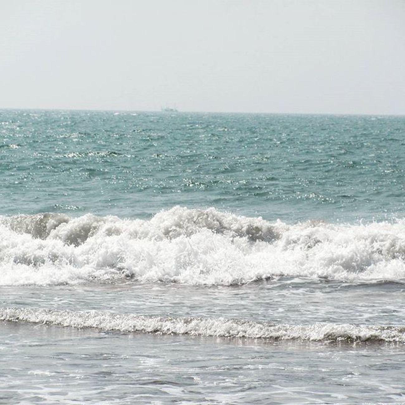 Morgim Beachinindia Beach Swimming Family Friends Fun Weekends Holiday Goa Goatrip Traveldiary Travel Photography Saumendas Dassaumen Saumen Das Sdas Dass Sid Wave Water