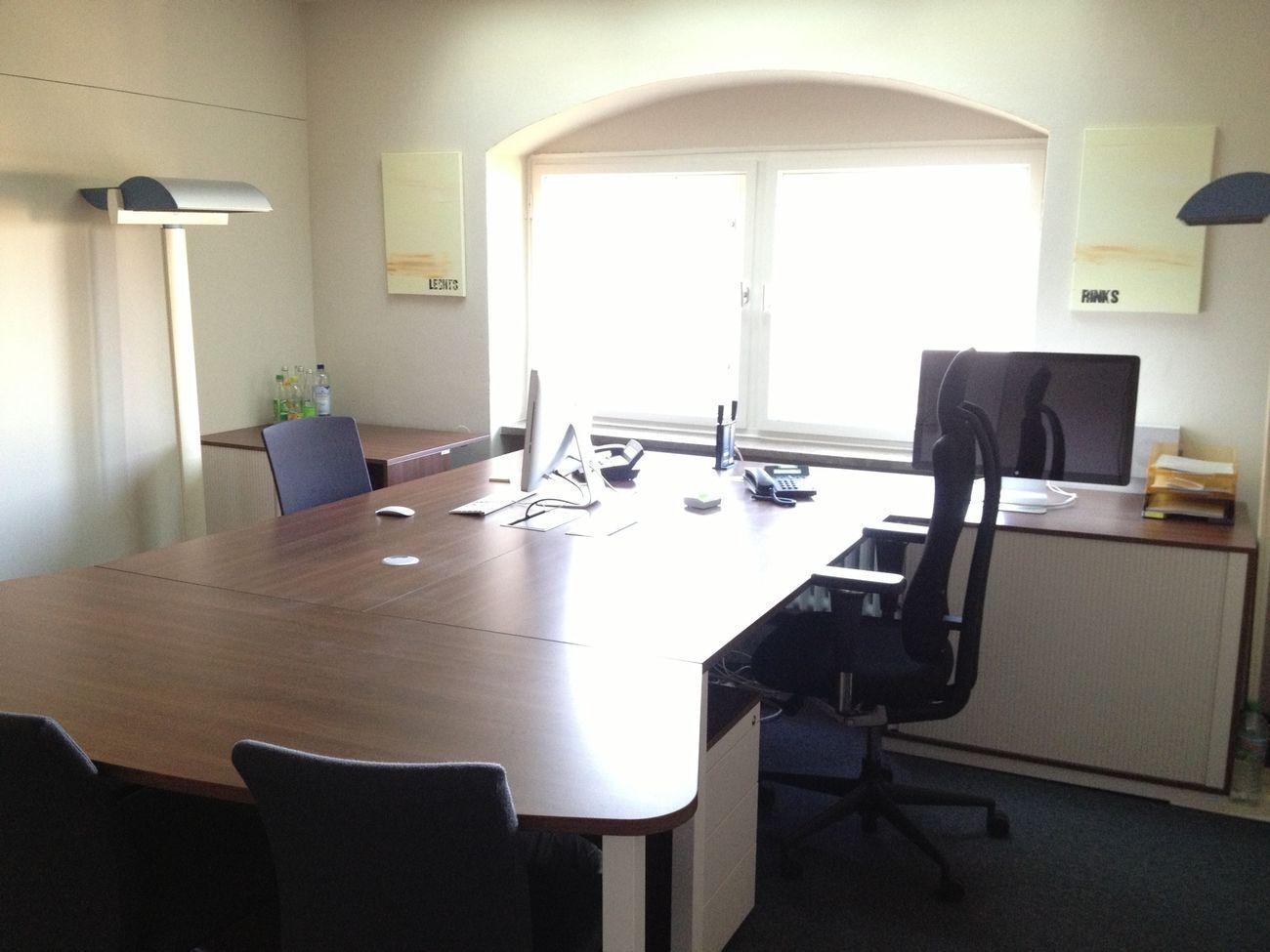 Seit gut einem Jahr sah das Büro nicht mehr so aufgeräumt aus :)