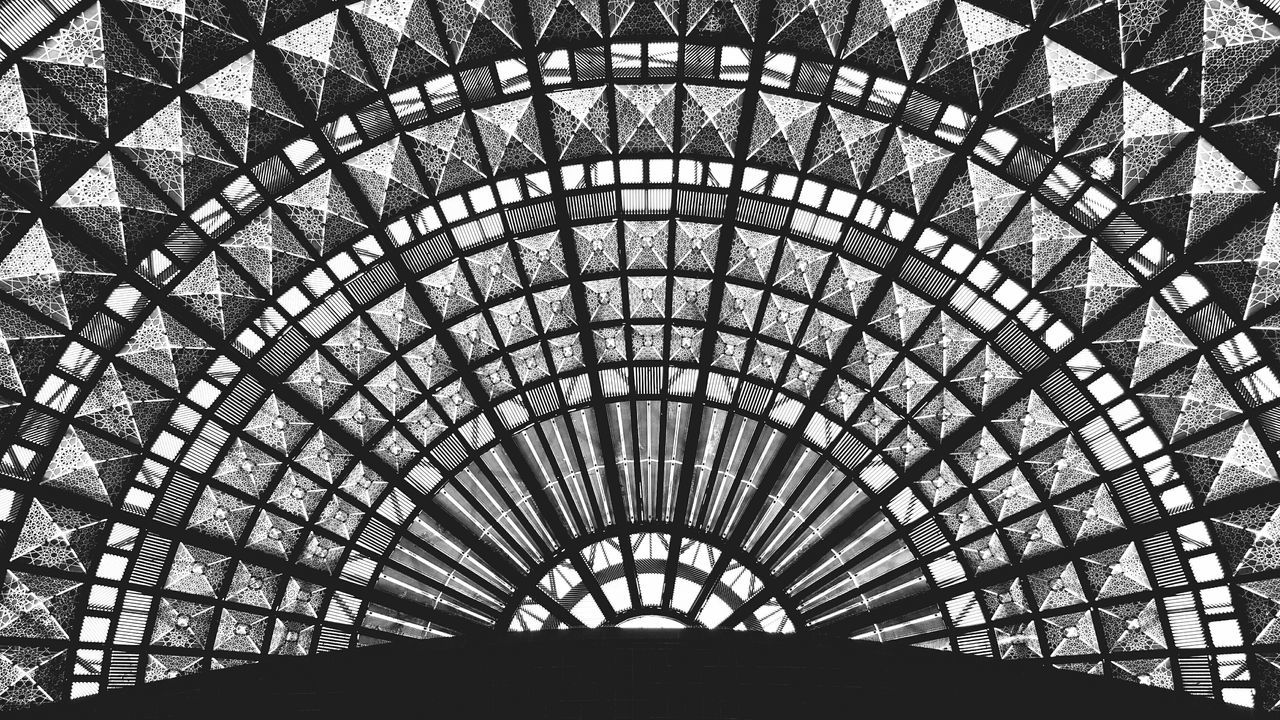 Geometric Ceiling Architecture Architecture_collection Architecture_bw Los Angeles Union Station Los Angeles, California Blackandwhitephoto Black And White Photography Black & White Blackandwhite Photography Blackandwhite Taking Photos Geometry Lookingup