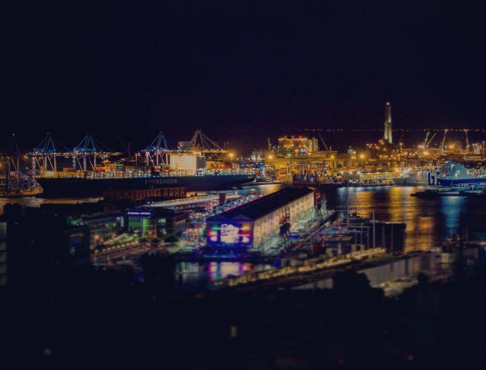 La Superba...di notte Genova Citta City Panorama Vista Porto Porto Antico,Genova Luci Lanterna Di Genova Lanterna Liguria,Italy Mare Sea