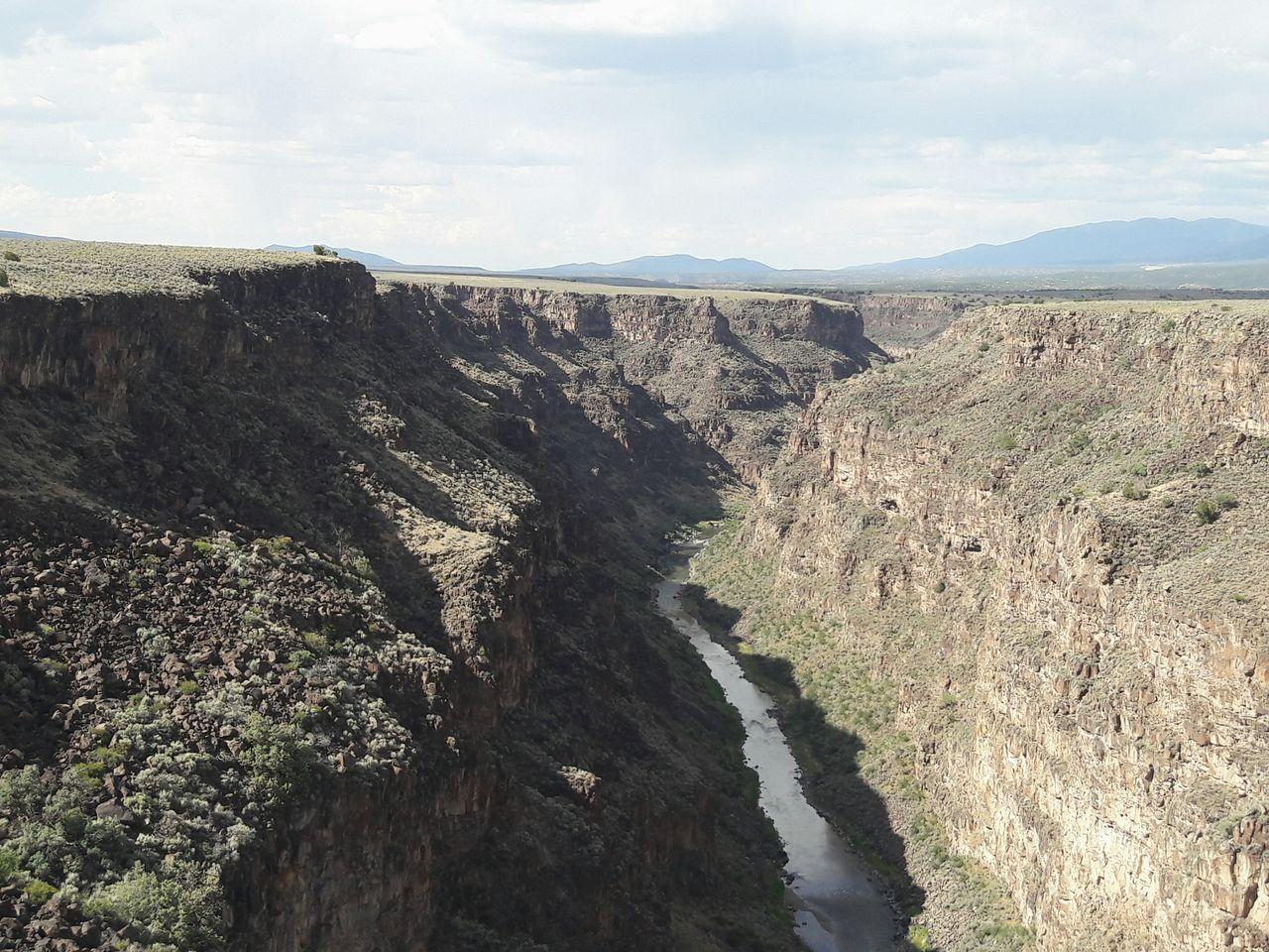 Canyon Vertigo Nature Photography Natural Don't Jump Nature View High Places Hello World River Rio Grande Gorge Taos Gorge Taos New Mexico Eyeemphoto A Bird's Eye View