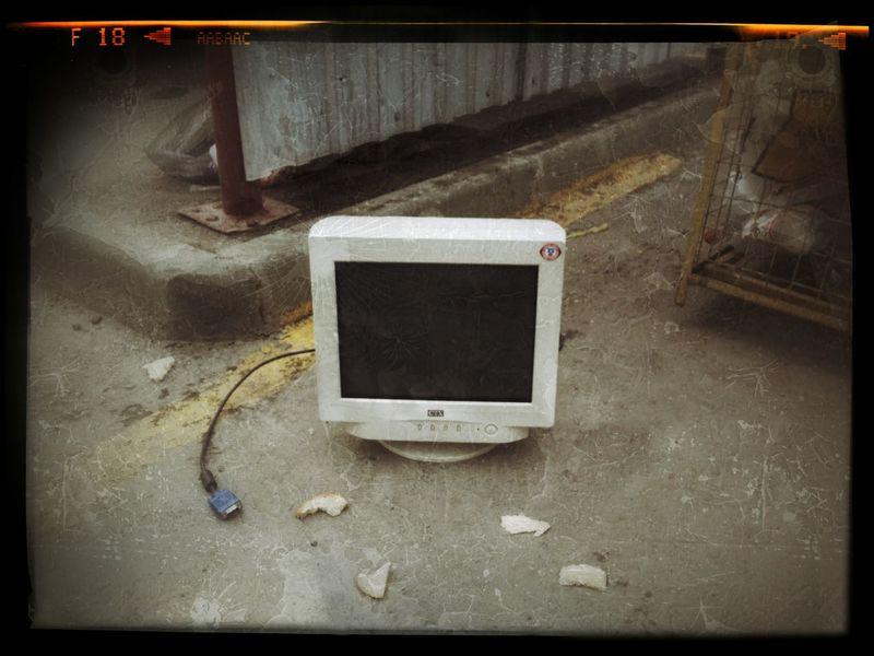 Старый монитор Новосибирск жкматрешкиндвор Streetphotography Novosibirsk