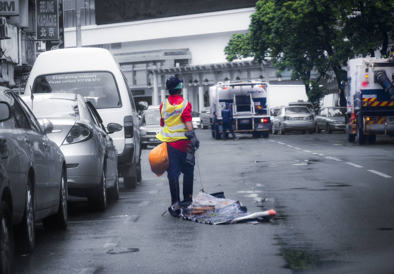 Some people who deserve our respect :) Car Claer Clean Eye4photography  EyeEm EyeEm Best Shots EyeEm Gallery Life Malaysia Men Occupation People Protective Workwear Scavenger Street Streetcleaner Streetphoto_bw Streetphotography Working