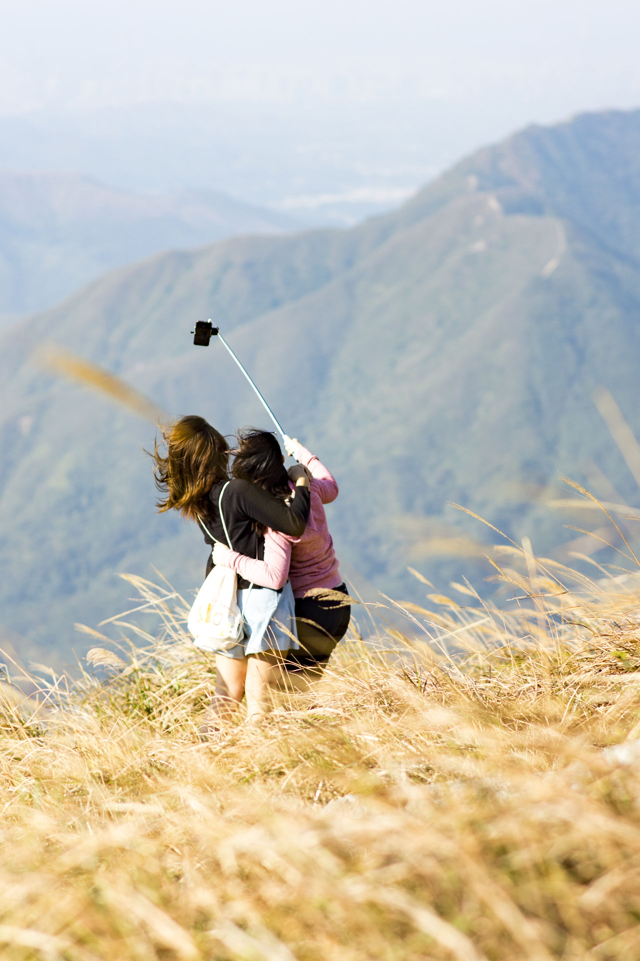 Two People Togetherness Young Adult Leisure Activity Adults Only Young Women Playing Outdoors Nature Bonding Hiking Adventures Nature Photography Beauty In Nature Mountain Landscape Nature Lifestyles Selfietime Selfie ✌