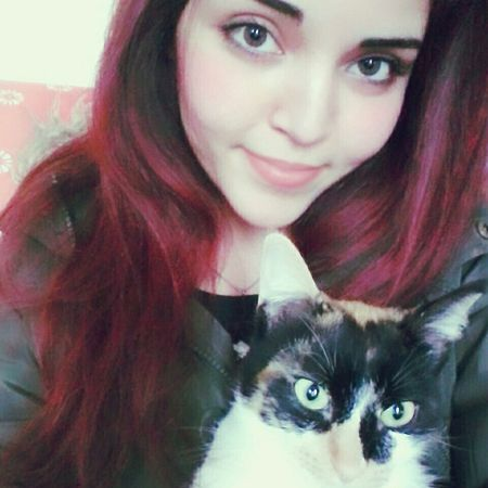 Tunisiangirl Miaou Cats Cat Loveanimals Chanel Home Redhair Beautiful FemmeTunisienne