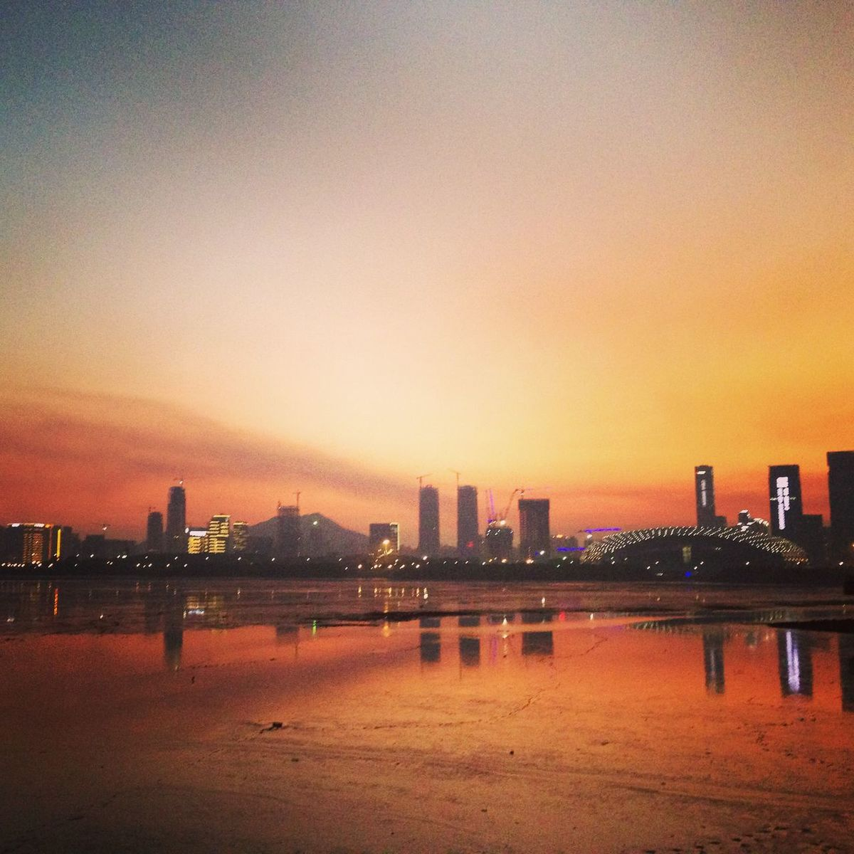 Take a walk ! Taking Photos Enjoying Life IPhoneography Walking Around Sunset Beautiful Sunset Hello World