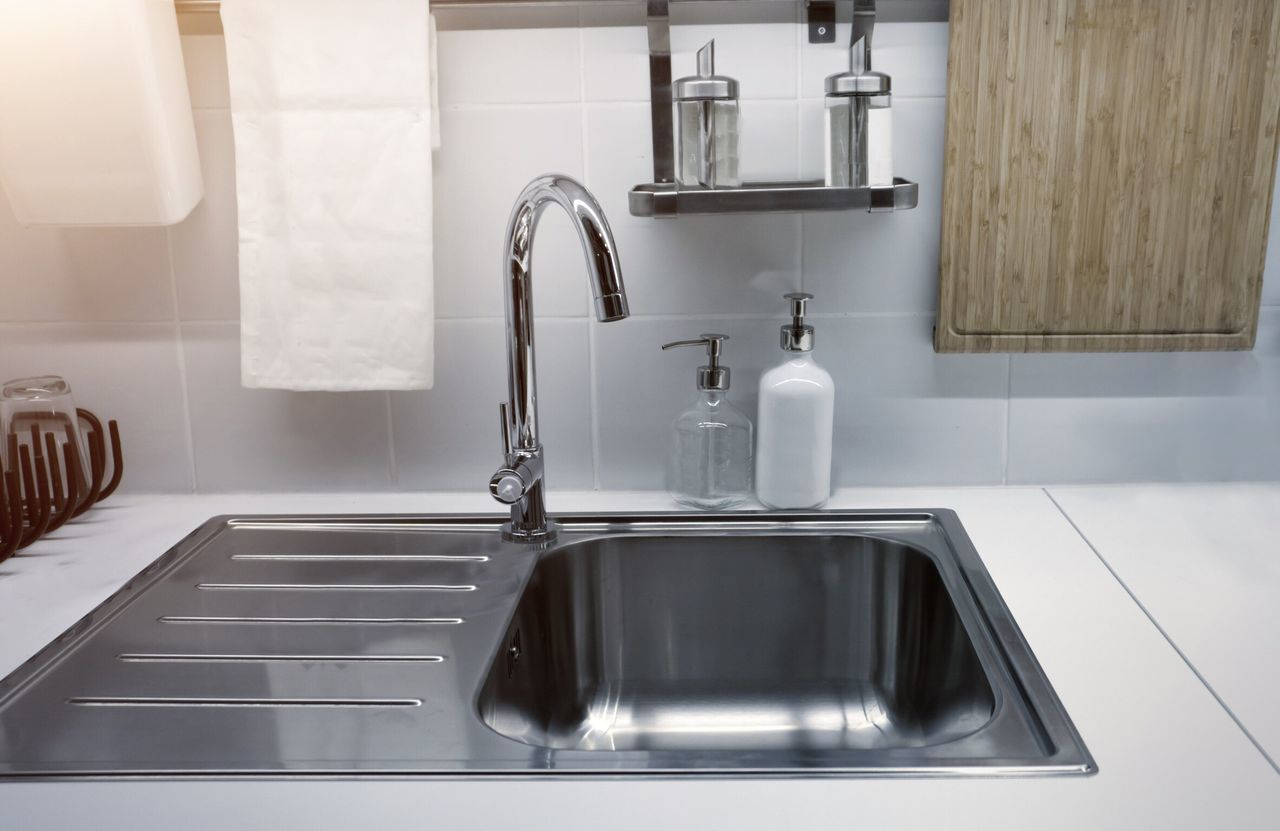 Luxury Domestic Room Faucet Home Interior Sink Domestic Kitchen Modern Metal No People Indoors  Kitchen Close-up Wash Bowl Home Interior Interior Design House