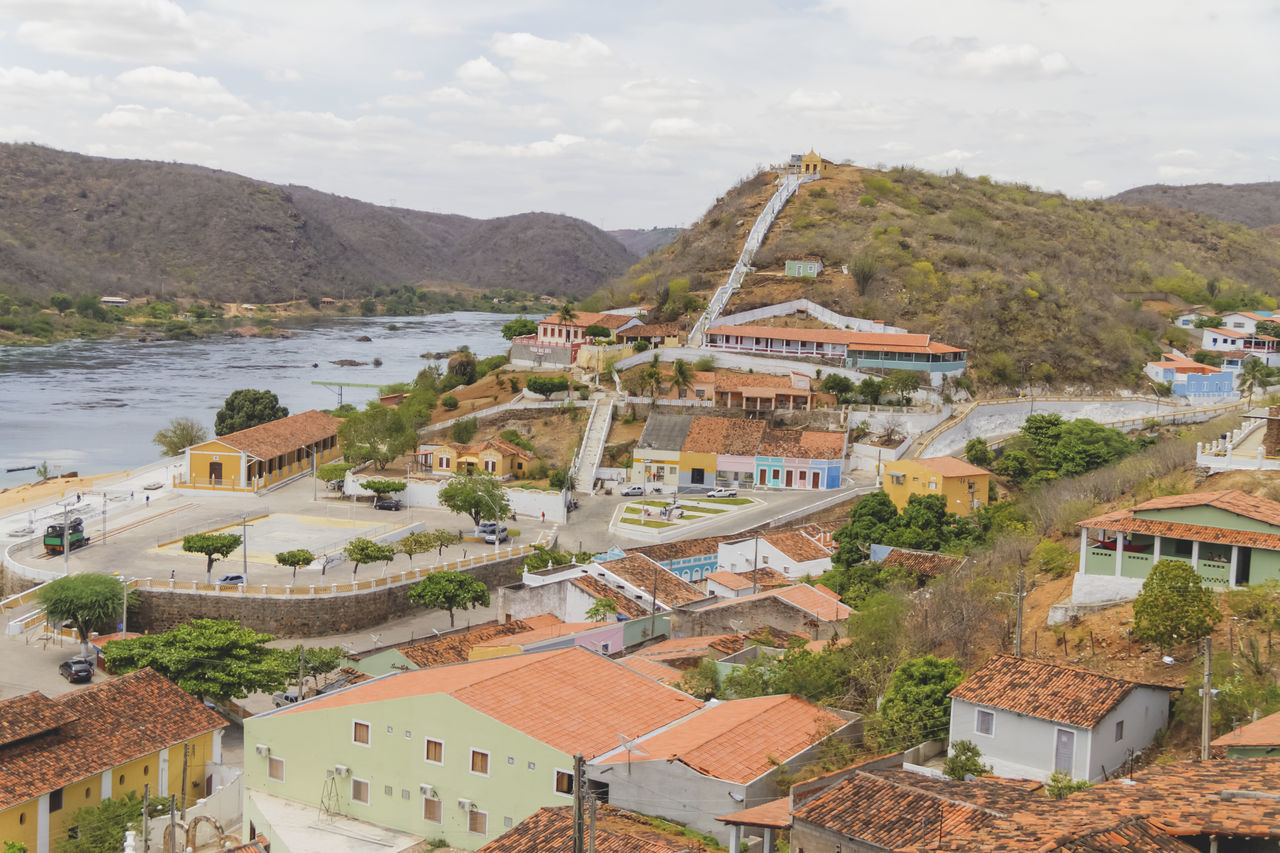 Piranhas city! Alagoas Architecture Architecture Architecture_collection Architecturelovers Brazil Built Structure City City View  Cityscape Cityscapes Day Heritage Old Buildings Piranhas Piranhas/AL RioSãoFrancisco River River View Sky View From Above A Bird's Eye View