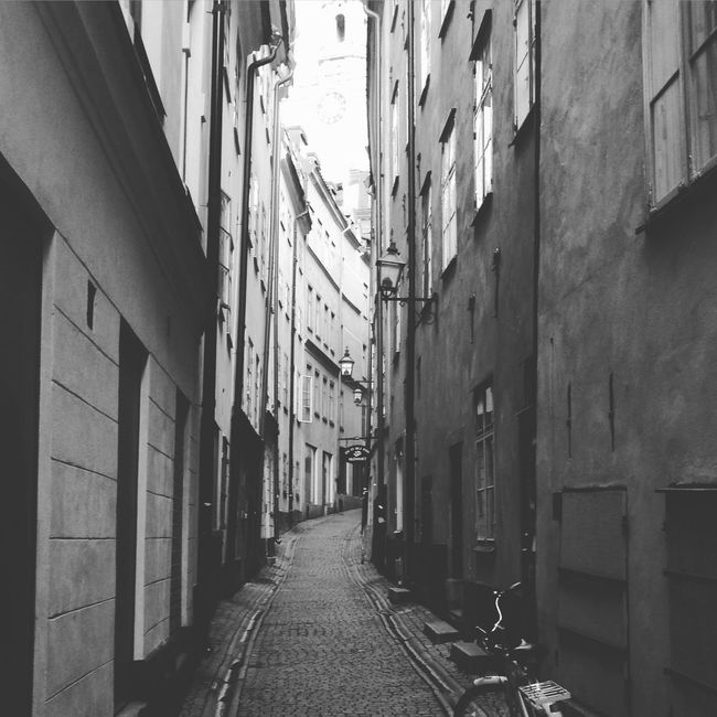 Alley Architecture Building Building Exterior Built Structure City City Life Narrow Sidewalk Street The Way Forward Walking