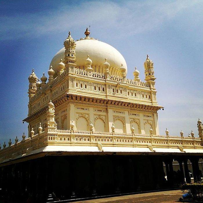 Srirangapatna Gumbaz Tipu Tipusultan Historic Mysorememes Mysuru Nammamysuru Karnataka India Carvings Beautiful Nixsensor Love instalove Instagood Photooftheday