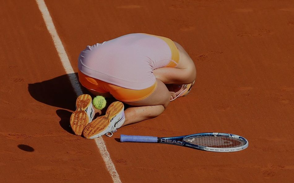 Russian Maria Sharapova won roland Garros final 2014, vs romenian Simona Halep. Atp Finall 2014 Maria Sharapova♥ Paris, France  ROLAND GARROS Sport Women Sports Photography Tennis 🎾