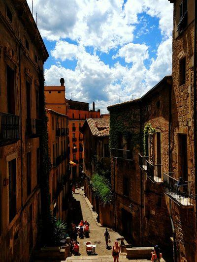 Building Exterior Architecture Built Structure Sky Day EyeEm Selects Catalunyaexperience Catalunya Girona City Street Turism Turismecatalunya Turisme Cloud - Sky